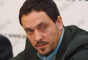 الصحفي الروسي الشهير ينتقد تغطية الإعلام الروسي للأحداث في مصر