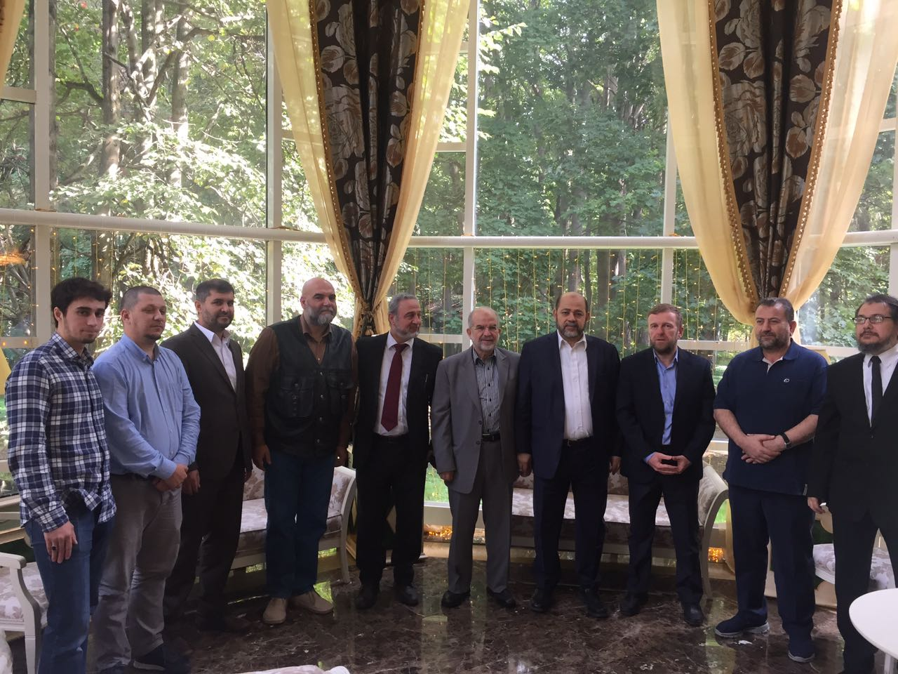 دعت حركة حماس مسلمي روسيا ان يتخذوا مكانة مشرفة في المجتمع