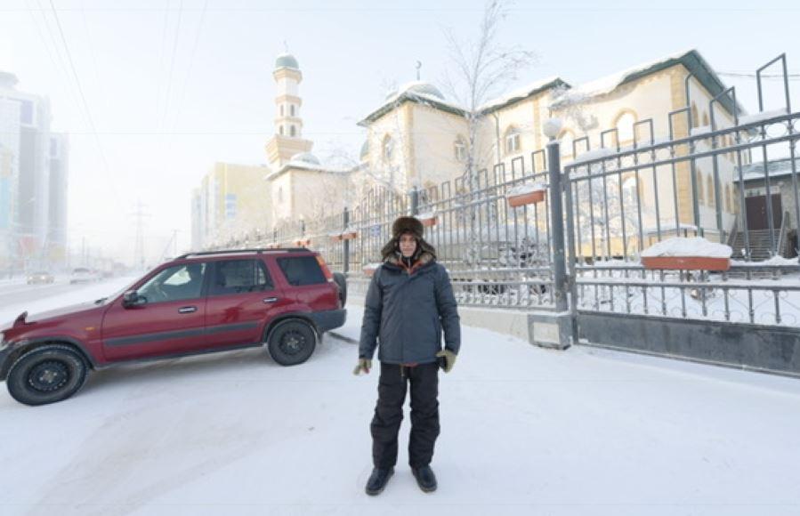 """مسجد ياقوتيا أبرد من """"الفريزر"""" وصليت مرتديًا 16 قطعة ملابس"""